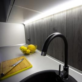 FUTURA XC lampa podszafkowa Led z wyłącznikiem